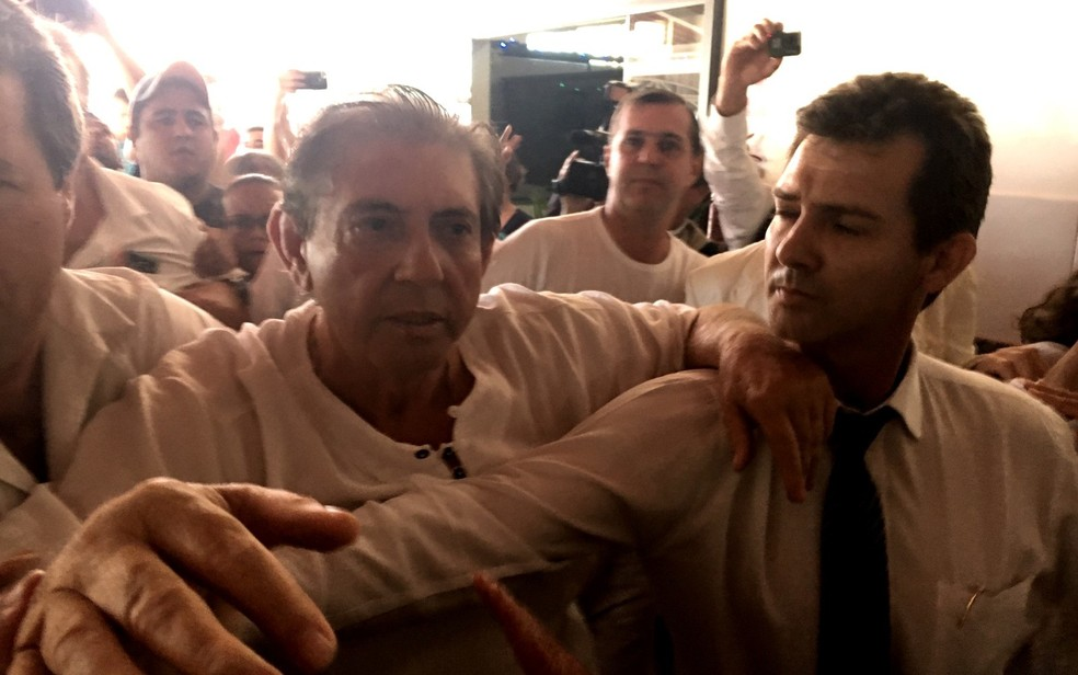 João de Deus durante última visita à Casa Dom Inácio de Loyola — Foto: Murillo Velasco/G1