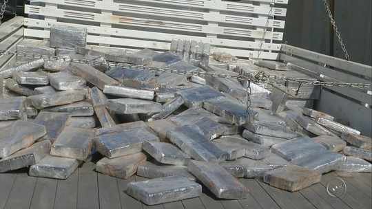 Homem de 60 anos é preso em rodovia de Assis com meia tonelada de cocaína