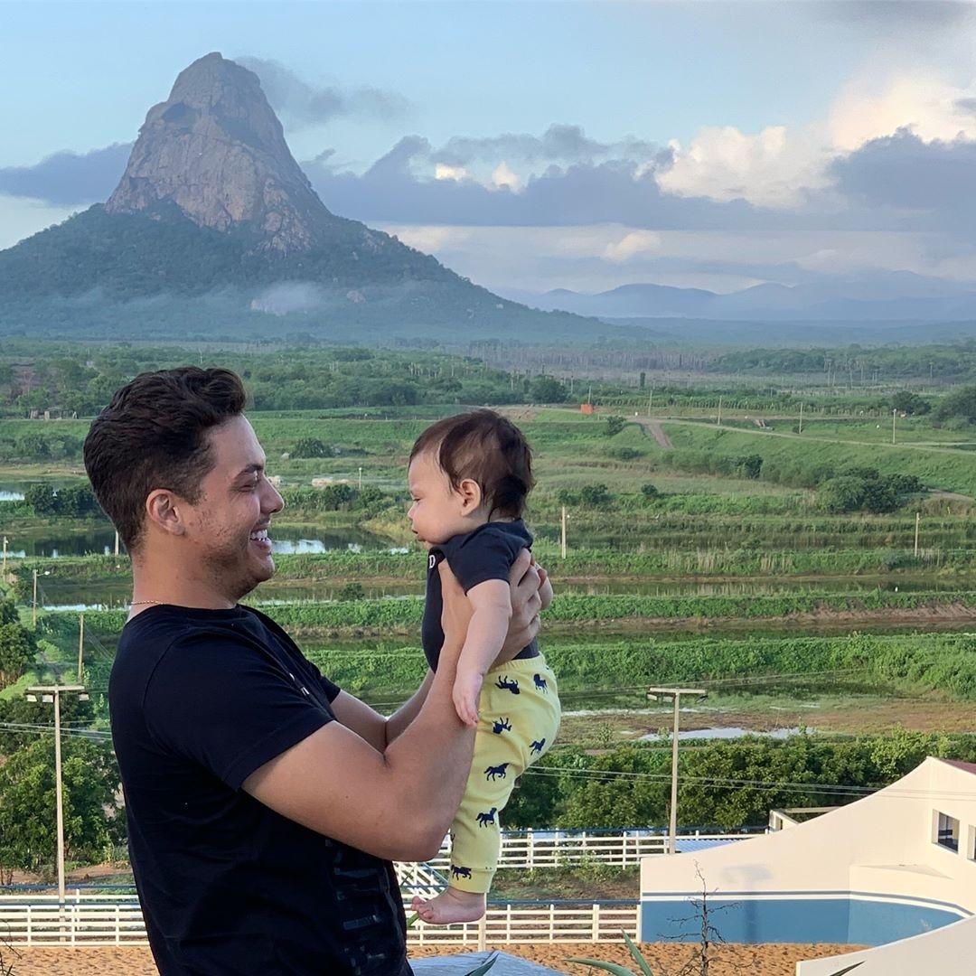 Wesley Safadão e o filho, Dom (Foto: Instagram/ Reprodução)