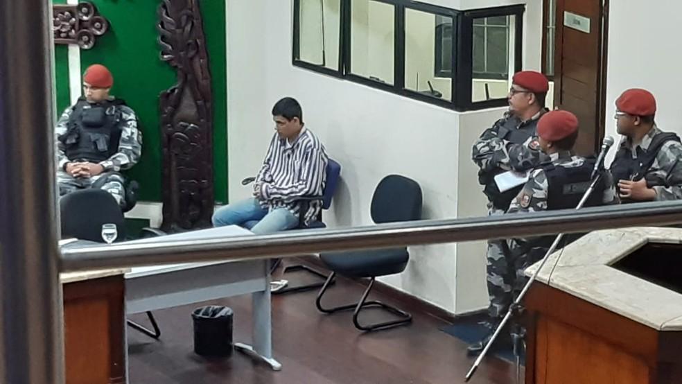 Décio Fonseca Sobrinho confessou o crime e foi a júri popular nesta quarta (13), no Fórum Miguel Seabra Fagundes, em Natal — Foto: Sérgio Henrique Santos/Inter TV Cabugi
