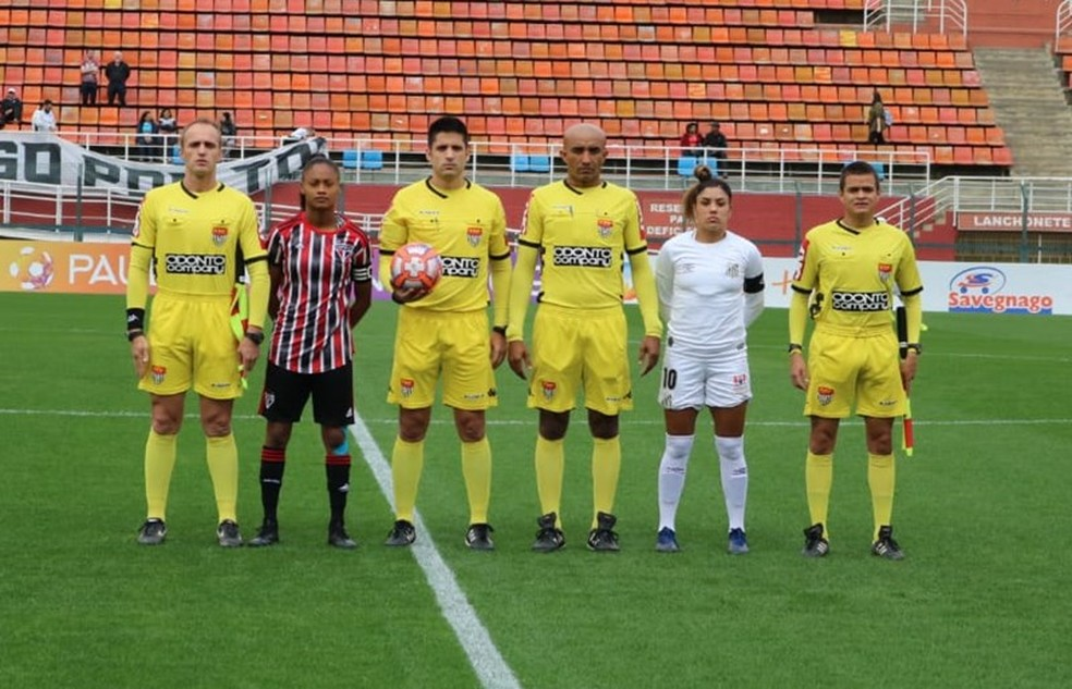Santos e São Paulo jogaram nesta quarta-feira, no Pacaembu — Foto: Mário Jr/ME Sports