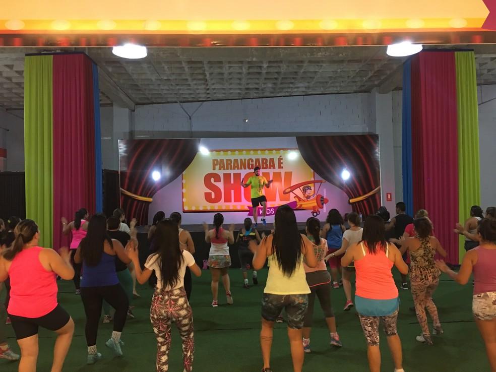 Aula de dança neste sábado (14) no Shopping Parangaba. (Foto: Divulgação)