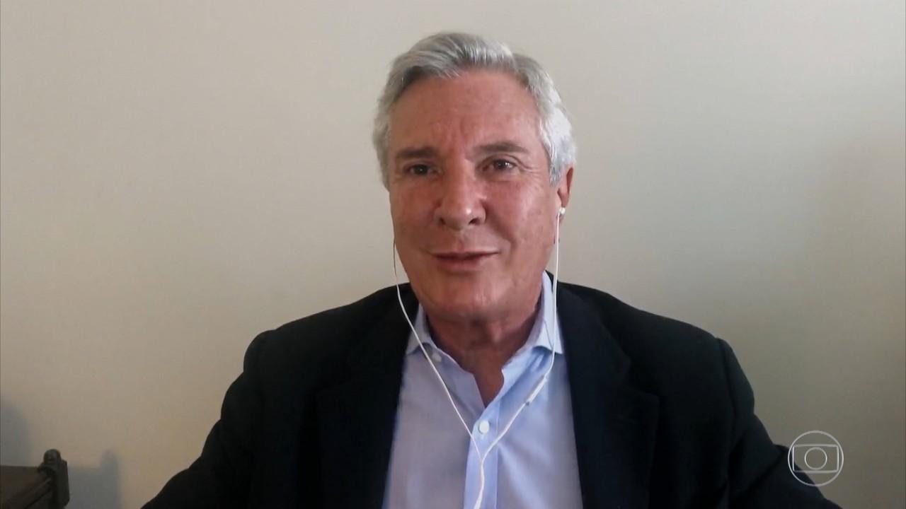 Fernando Collor de Mello conta que é ele mesmo que escreve nas redes sociais