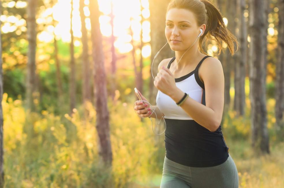 Exercício traz benefícios para seu corpo e sua mente — Foto: StockSnap/Pixabay