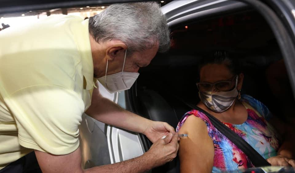 Fortaleza tem recorde de pessoas vacinadas contra a Covid-19 desde o início da campanha