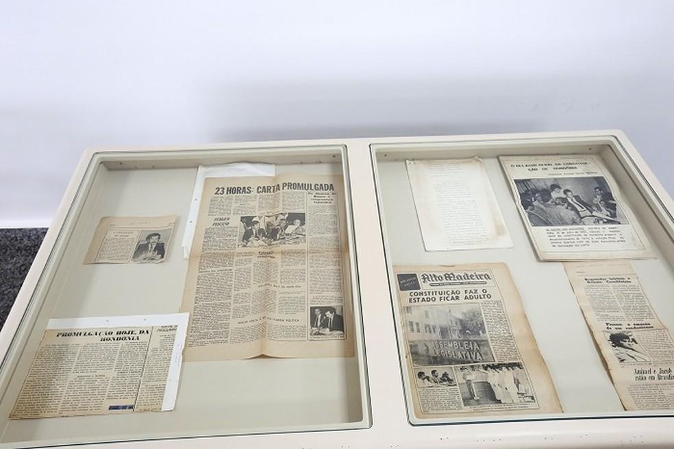 Documentos da época da promulgação da Constituição estão expostos ao público na ALE — Foto: ALE-RO/Divulgação