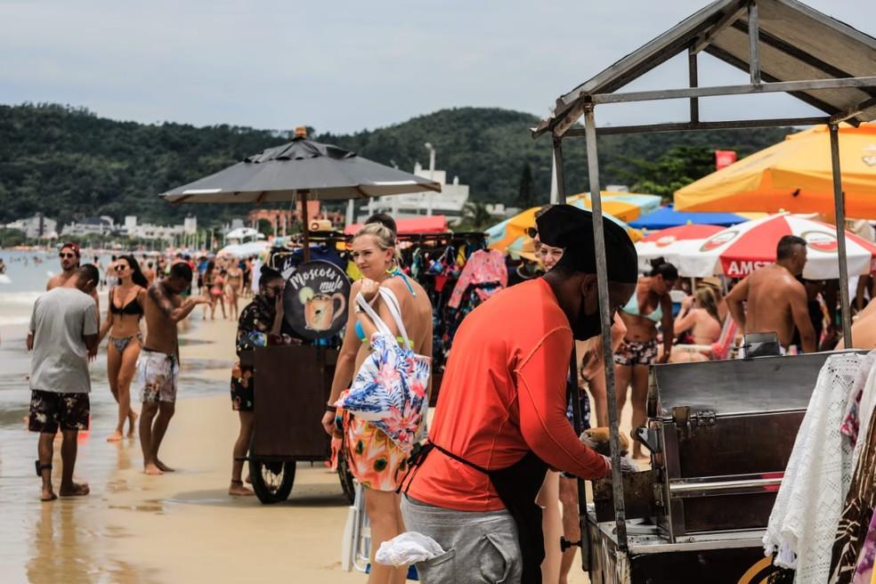 Tempo abafado marcou a última quinta-feira de 2020 em Florianópolis — Foto: Diorgenes Pandini/ NSC