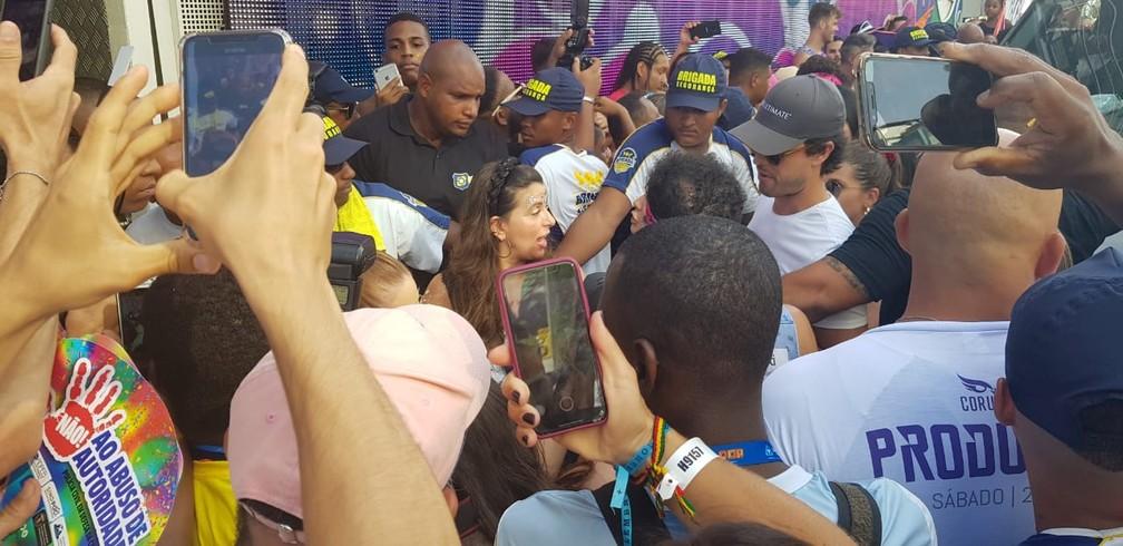 Alexandre Negrão, marido de Marina Rui Barbosa, chegando no trio de Ivete, em Salvador — Foto: Eric Carvalho/G1
