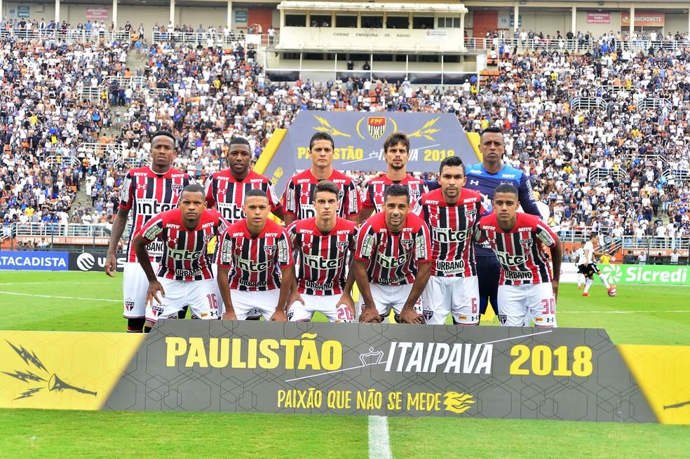 São Paulo postado antes do Majestoso (Foto: Marcos Ribolli)