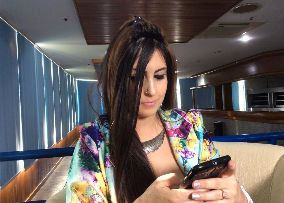 Bárbara decidiu dedicar a vida à luta contra a violência doméstica — Foto: Guacira Merlin/RBS TV