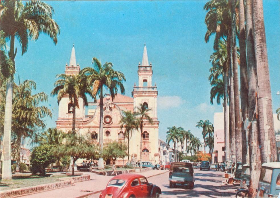 Catedral do Senhor Bom Jesus de Cuiabá na década de 60 (Foto: Arquivo pessoal)
