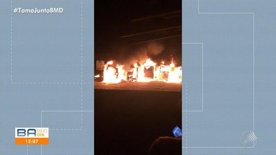 Homem agiu sozinho em incêndio que destruiu 20 ônibus no norte da Bahia, diz delegado