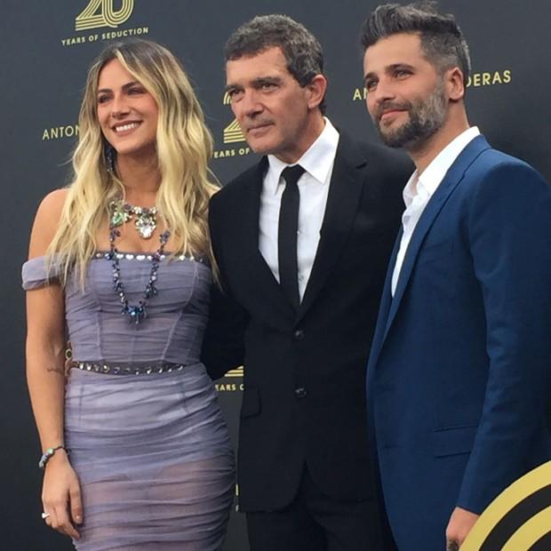 Giovanna Ewbank e Bruno Gagliasso com Antonio Banderas (Foto: Raquel Pinheiro/QUEM)