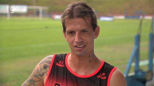 """No 2º Gauchão, Diguinho revela desejo da família em jogar no Grêmio: """"Infelizmente, não deu"""""""