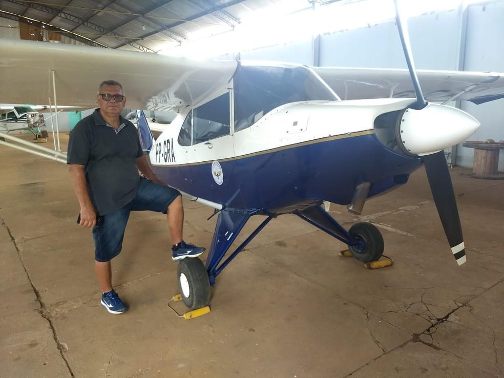 Francisco Lima pilota no Aeroclube de Porto Velho há quase 40 anos — Foto: Diêgo Holanda/G1