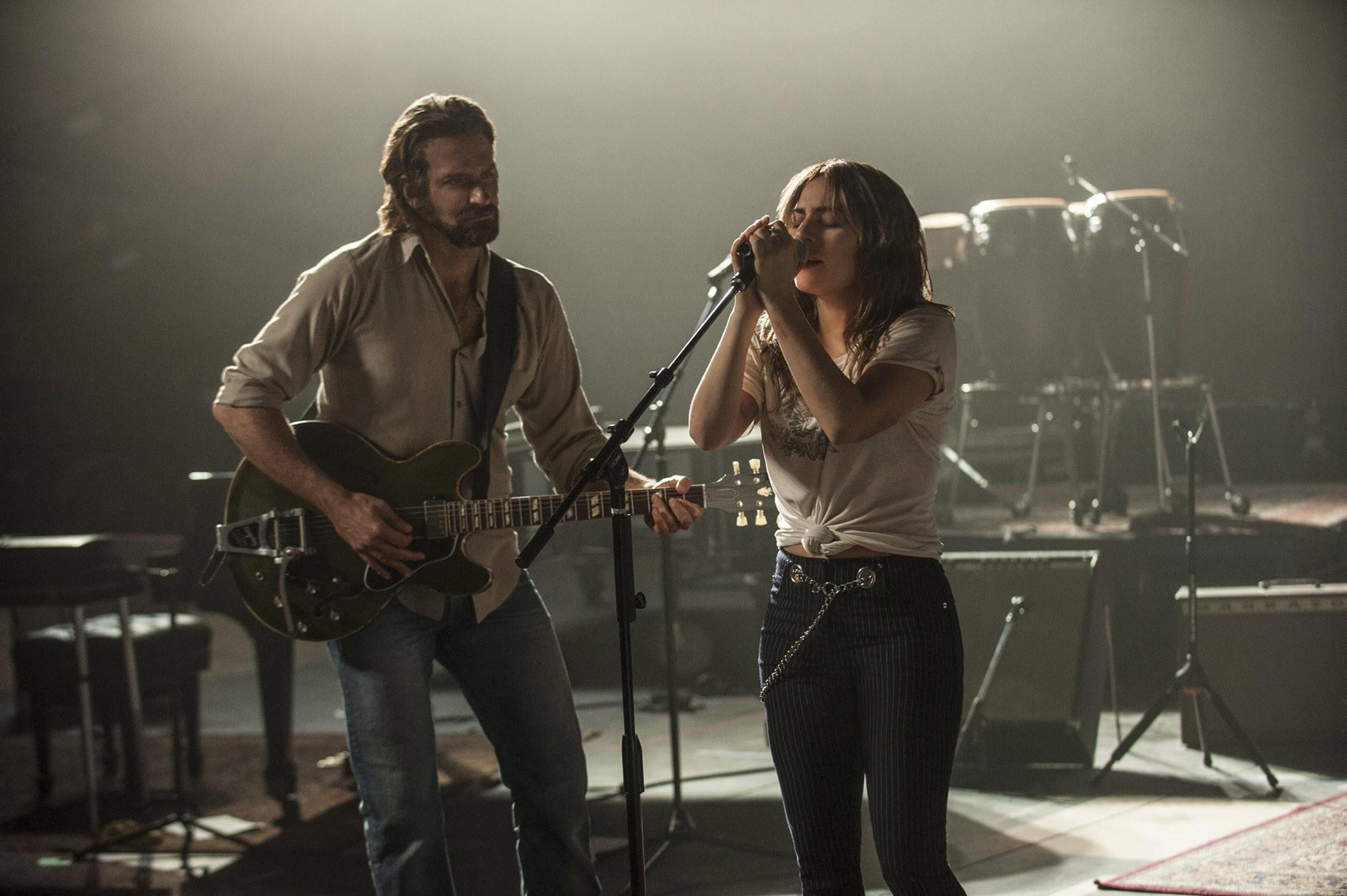 """Bradley Cooper e Lady Gaga em """"Nasce Uma Estrela"""" (Foto: Divulgação)"""