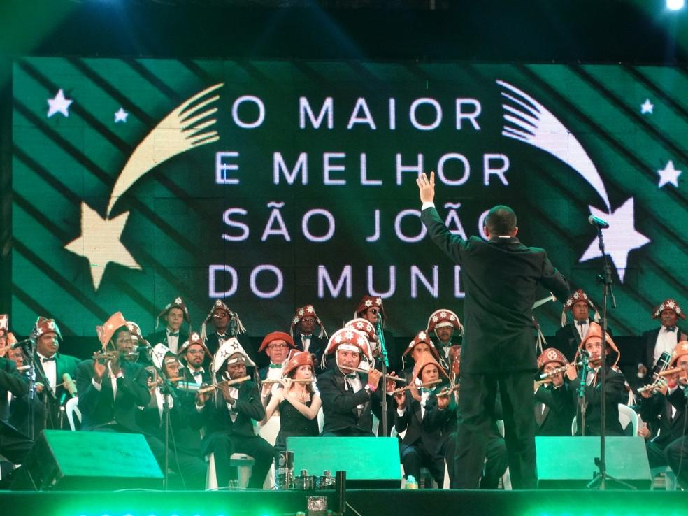 Orquestra de Pífanos regida pelo maestro Mozart Vieira — Foto: Joalline Nascimento/G1
