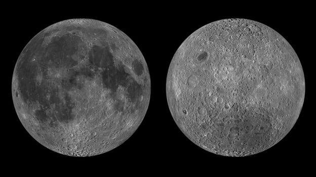 """À esquerda, o lado da lua que já conhecemos e vemos da Terra; à direita, o """"novo"""" lado da Lua, que nunca vemos da Terra (Foto: NASA via BBC)"""