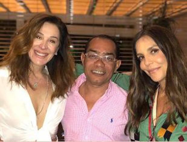 Claudia Raia e Ivete Sangalo posando juntas no aniversário de Daniel Cady (Foto: Reprodução/Instagram)