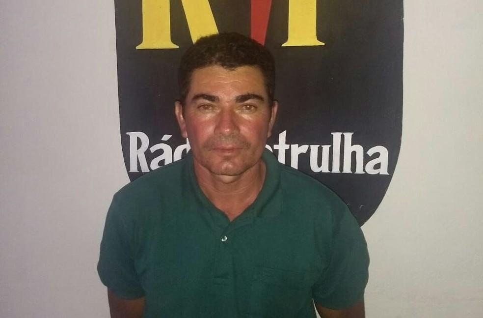 Pedreiro Marcondes Gomes da Silva foi preso no litoral potiguar e confessou o crime (Foto: PM/Divulgação)