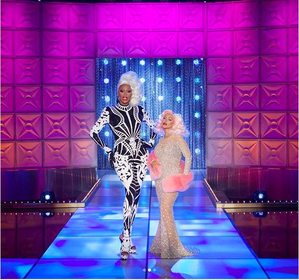 A cantora Christina Aguilera em sua participação no programa da drag RuPaul (Foto: Instagram)