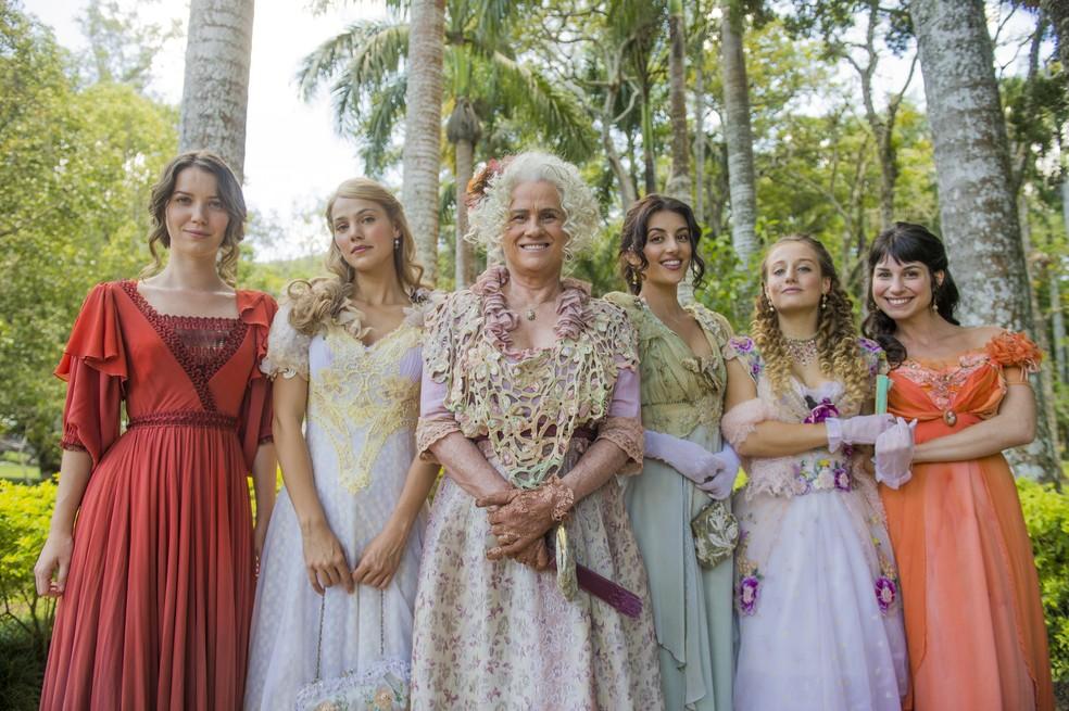 Elisabeta é irmã de Jane (Pamela Tomé), Cecilia (Ana Julia Dorigon), Lidia (Bruna Griphão) e Mariana (Chandelly Braz). (Foto: João Miguel Júnior/Gshow)