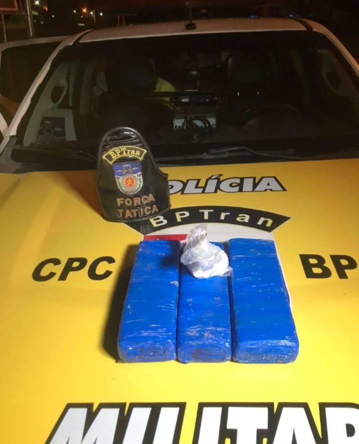 Após denúncia, polícia apreende quase 3 kg de maconha no São Jorge, em Maceió
