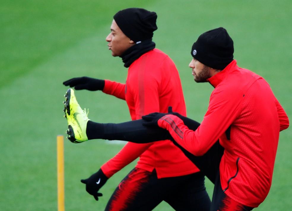 Neymar e Mbappé reforçam o PSG contra o Liverpool em decisão pela Liga dos Campeões — Foto: Reuters