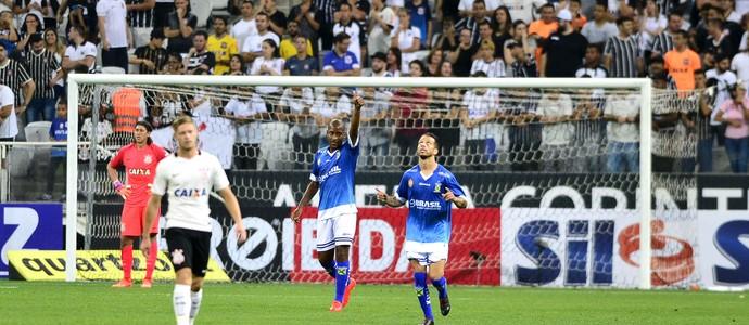 Corinthians x Santo André (Foto: Marcos Ribolli)