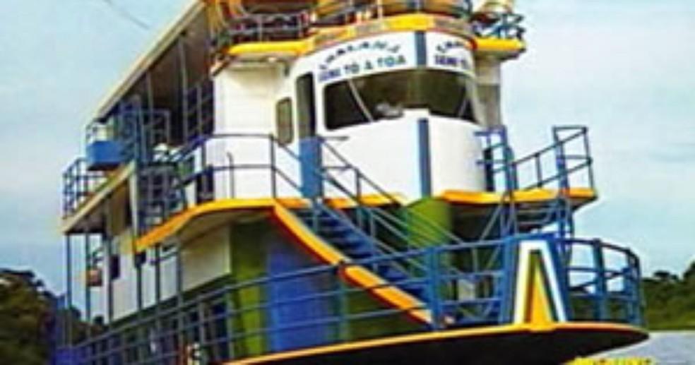 Naufrágio aconteceu durante viagem no Pantanal de Mato Grosso — Foto: TVCA/Reprodução