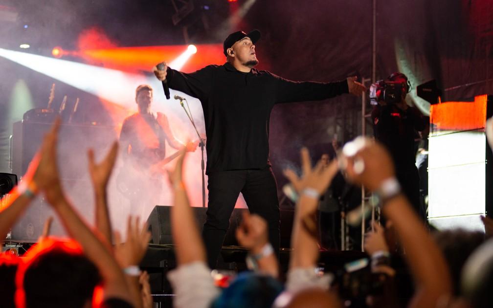 Digão chama o público para cantar no João Rock 2019 — Foto: Érico Andrade/G1