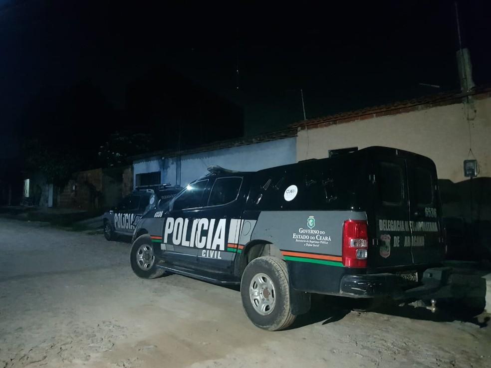 Duas irmãs foram mortas na cidade de Pacatuba, na Grande Fortaleza, na noite desta sexta-feira (21). Crime acontece em meio à paralisação de policiais. — Foto: Rafaela Duarte/SVM