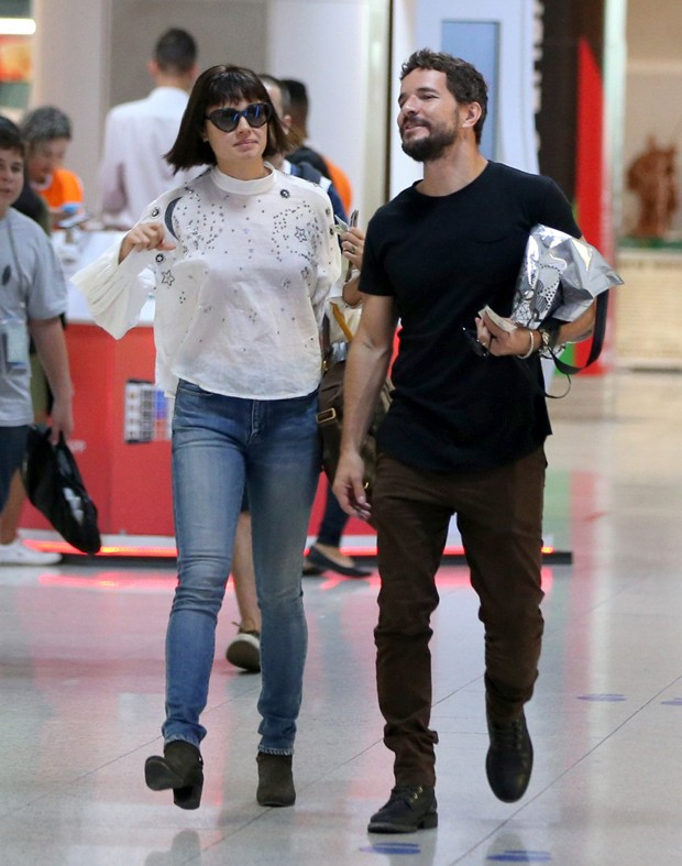 Sophie Charlotte com novo visual ao lado do marido Daniel Oliveira (Foto: AG News)