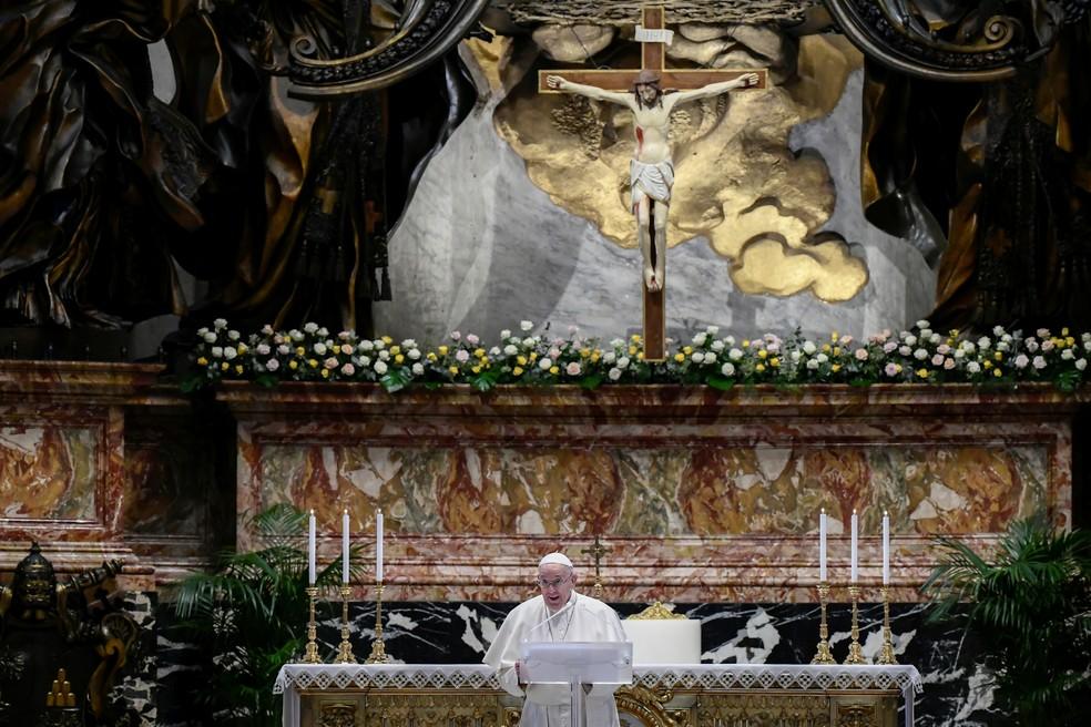 Papa faz discurso antes da bênção de Páscoa — Foto: Filippo Monteforte/Reuters