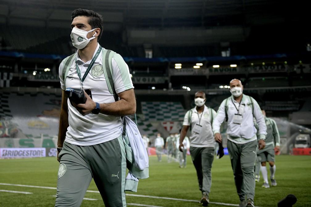 Abel Ferreira na chegada ao Allianz Parque para Palmeiras x São Paulo — Foto: César Greco/Agência Palmeiras