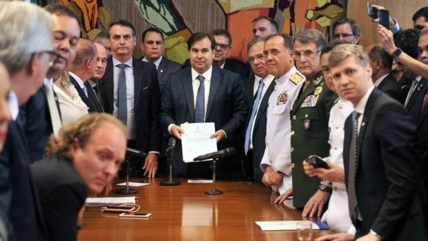 Bolsonaro depende de articulação no Congresso para conseguir aprovar a reforma da Previdência (Foto: J. BATISTA / CÂMARA DOS DEPUTADOS, via BBC News Brasil )