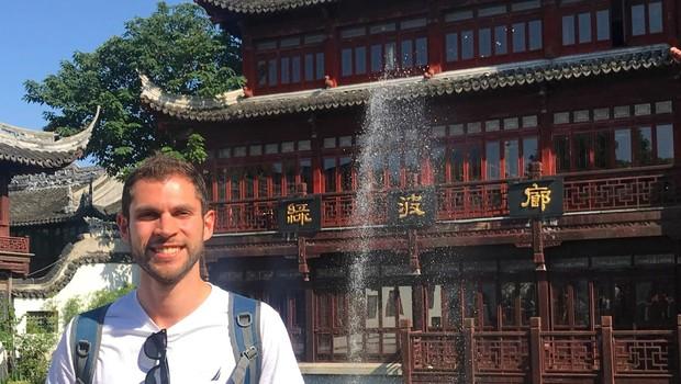 Alessandro Nardinelli, na China, no primeiro dia em que fez a rotação de campus. (Foto: Arquivo pessoal)