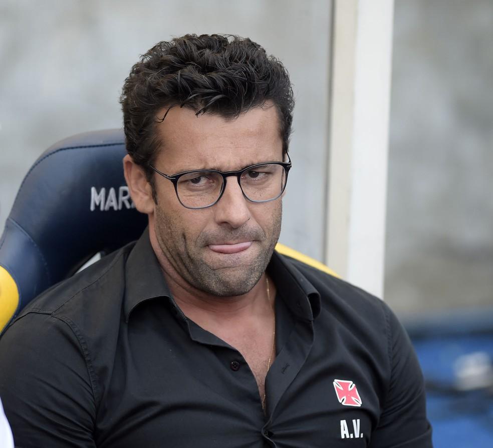 Alberto Valentim entrou na Justiça e ainda espera receber atrasados do Vasco — Foto: André Durão