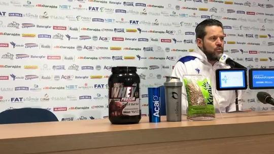 """Técnico do CSA, Argel enche a bola de Alecsandro: """"Igual a Fred, Ricardo Oliveira"""""""