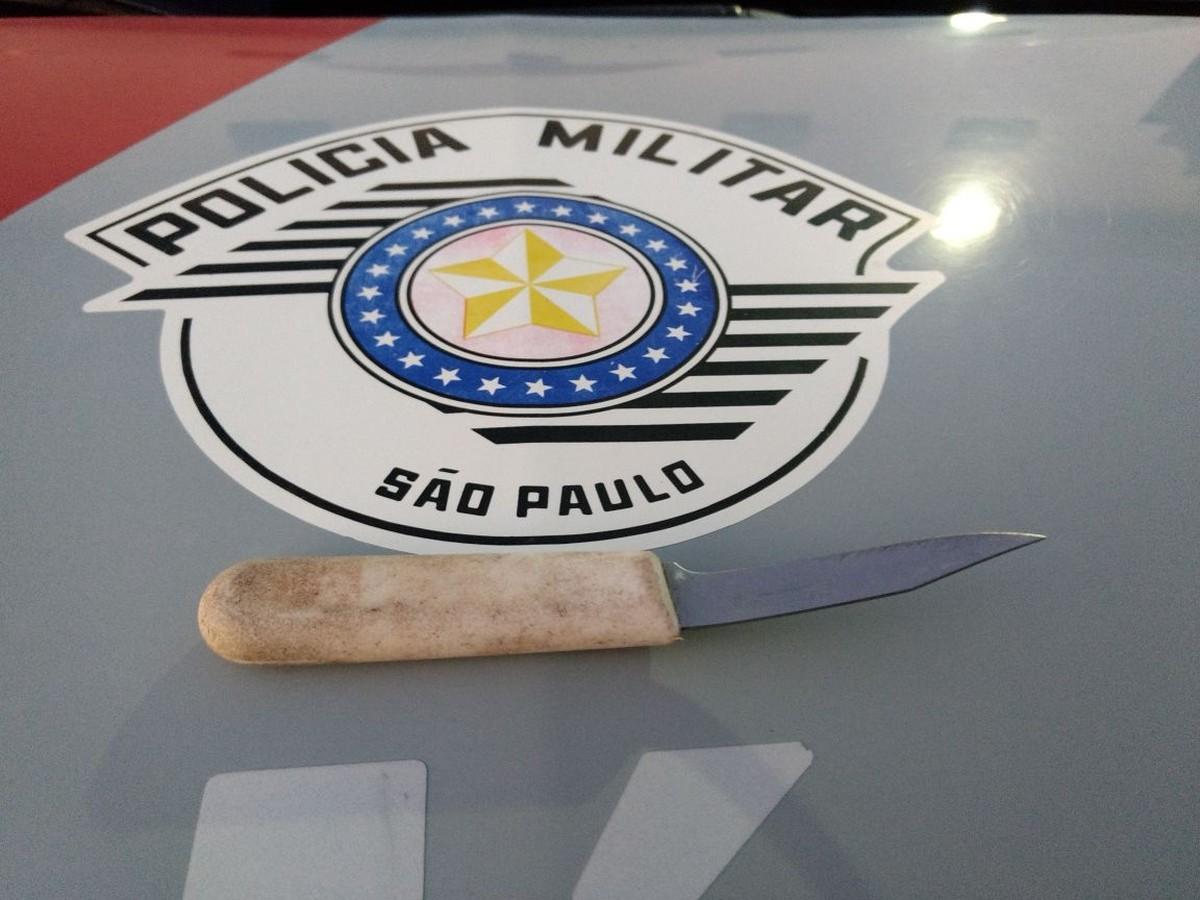 Homem é morto a facada após briga em frente a bar em Campinas; filho de 5 anos dormia no banco do carro