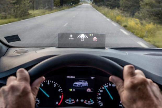 Head-up display é apenas um dos novos sistemas sofisticados do Ford Focus (Foto: Divulgação)