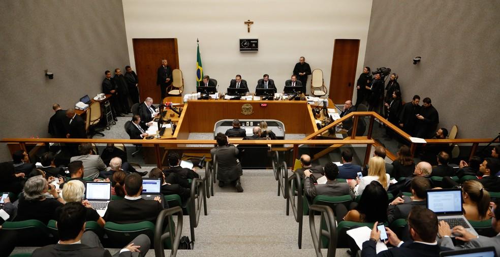 Sessão da Quinta Turma do Superior Tribunal de Justiça (STJ) em Brasília (Foto: Walterson Rosa/Framephoto/Estadão Conteúdo)