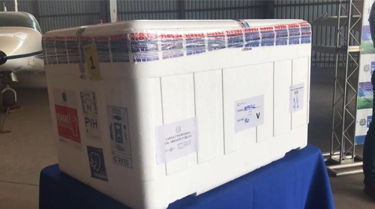 Mais 8,2 mil doses de vacina contra Covid-19 chegam em Rondônia