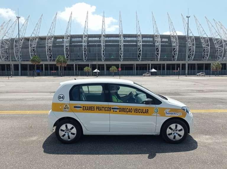 Detran-CE faz mutirão de exames práticos para carteira de motorista na Arena Castelão, em Fortaleza