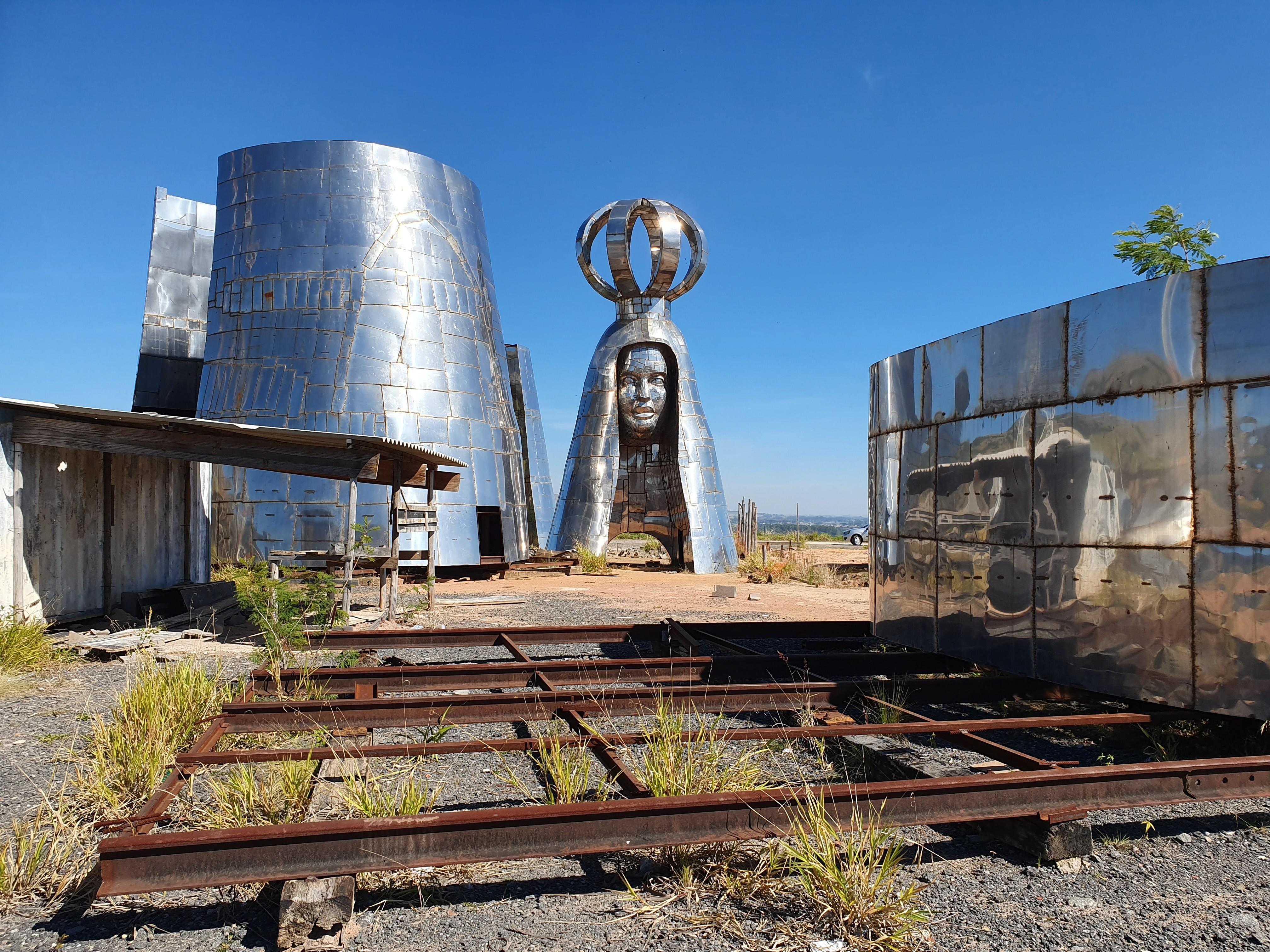 Justiça barra estátua gigante e ordena retirada de obras dedicadas à Padroeira em Aparecida - Notícias - Plantão Diário