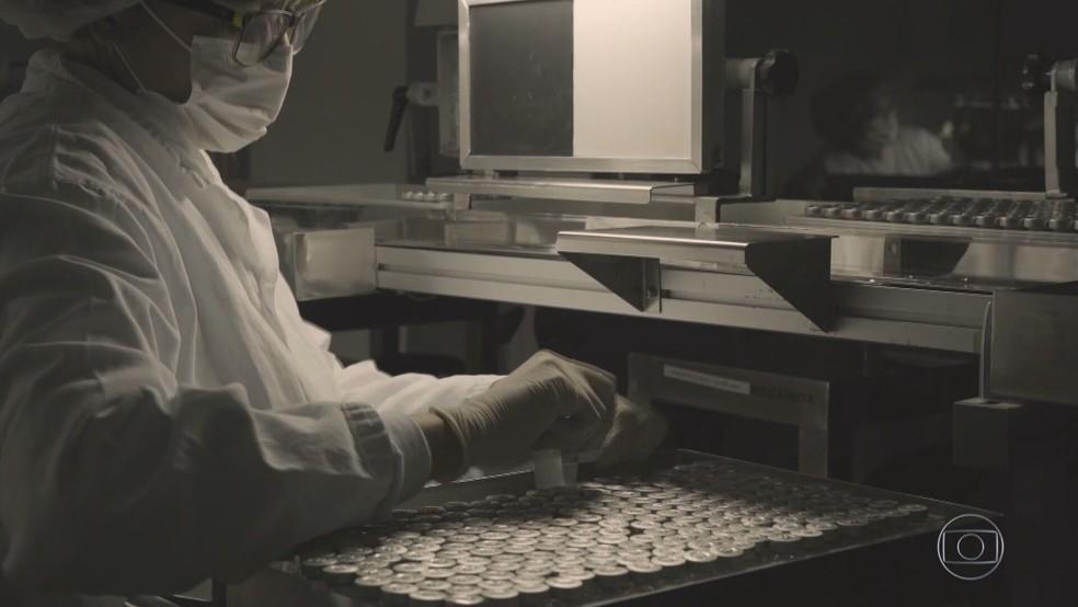 Fiocruz espera entregar mais de 100 milhões de doses da vacina de Oxford até julho — Foto: JN
