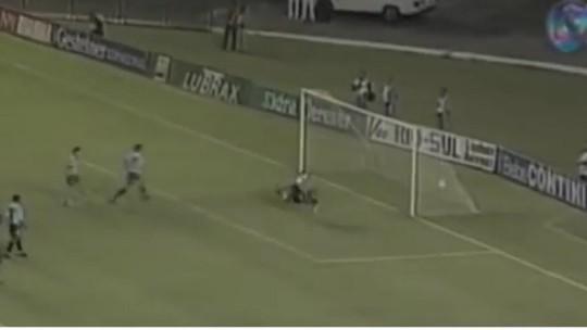 Grêmio e Botafogo duelaram nas oitavas da Libertadores de 96; relembre como foi