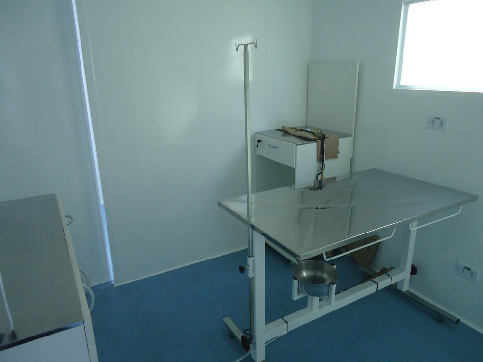 Vista interna do castramóvel: equipamento custou R$ 172 mil — Foto: Divulgação/ Prefeitura de Piracicaba