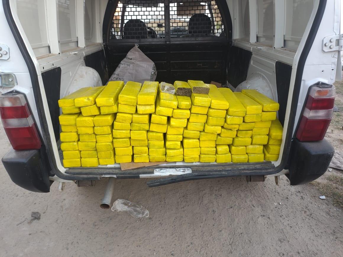 Jovem de 21 anos é preso transportando 97 tabletes de maconha em Contagem