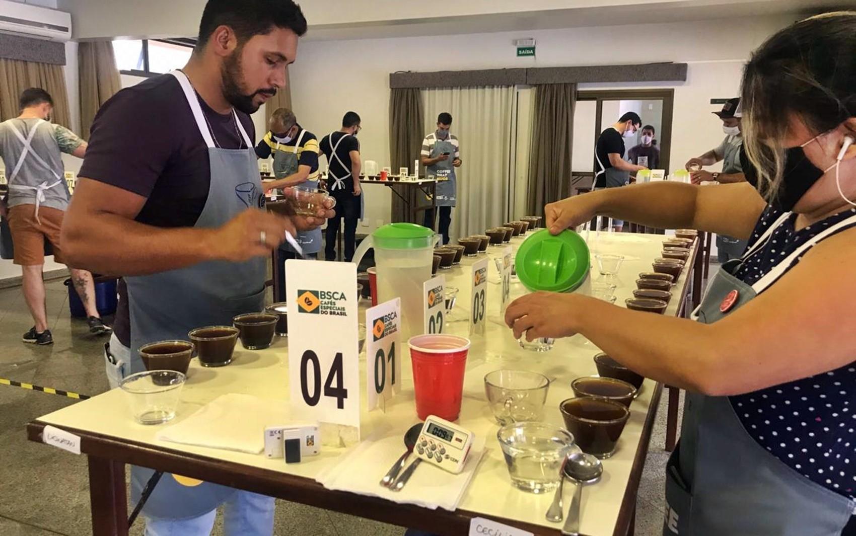 Concursos de qualidade de cafés destacam trabalho das mulheres e incentivam reconhecimento internacional dos grãos brasileiros